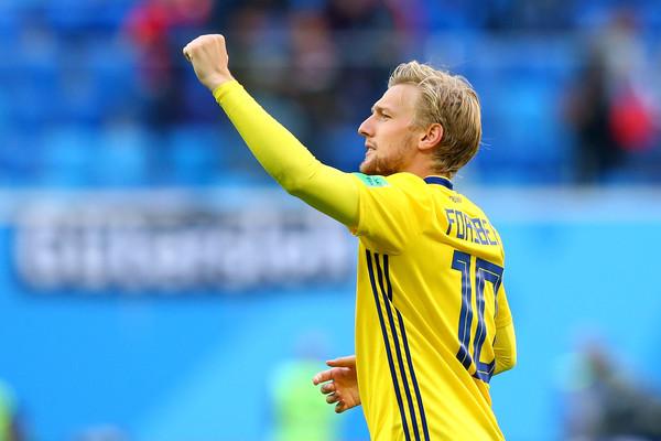 Emil+Forsberg+Sweden+vs+Switzerland+Round+jd_KGpbvaiEl